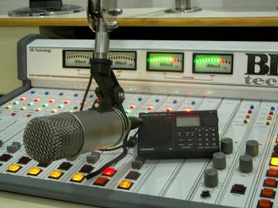 Resultado de imagem para microfones de radio